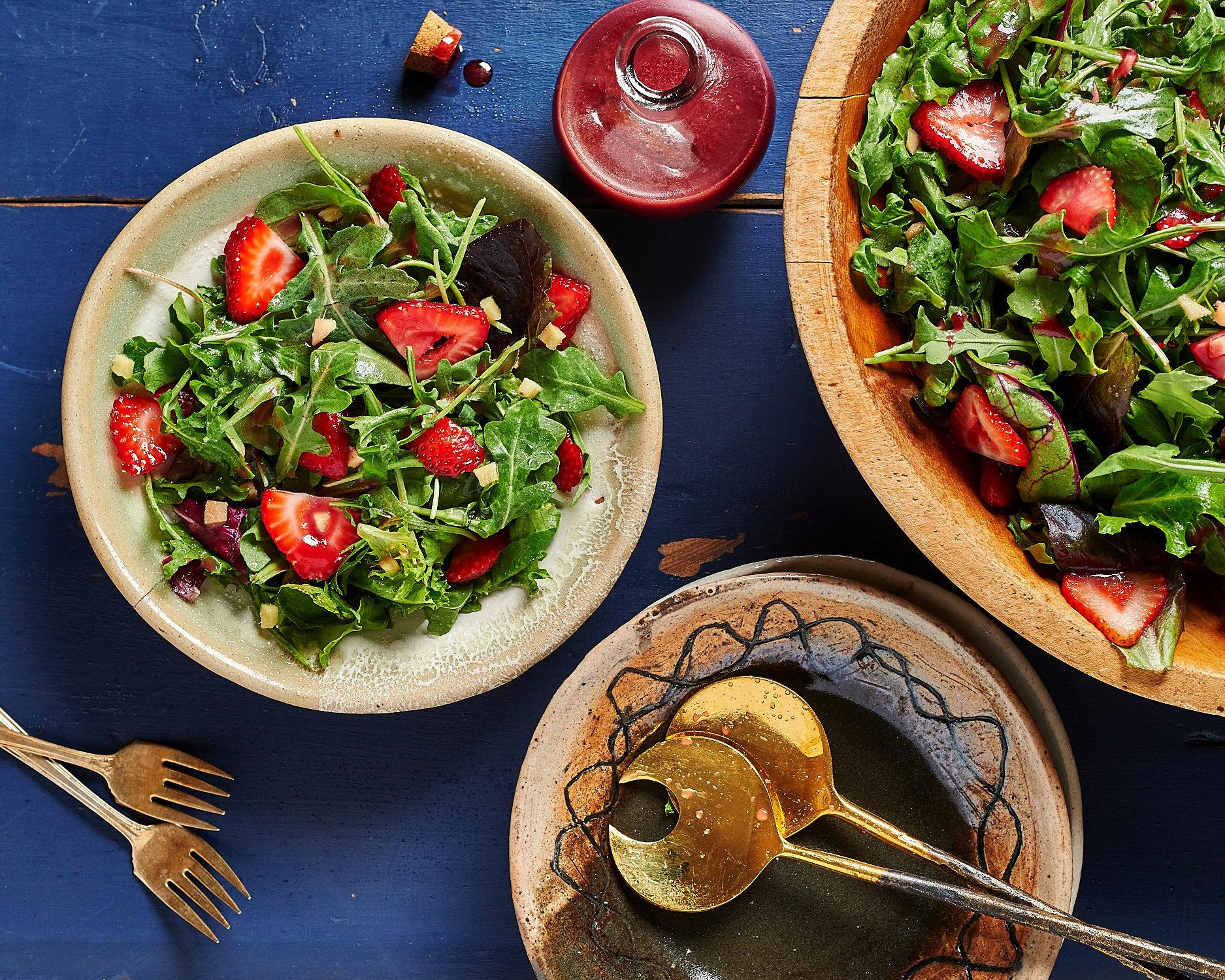 Strawberry Arugula Salad with Dressing